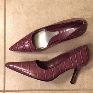 Amanda Smith Leather Pumps